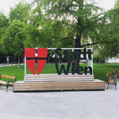 Stadt Wien Rathauspark Zeichen. Aufstockung der Arbeitsstipendien auf 6,3 Mio Euro